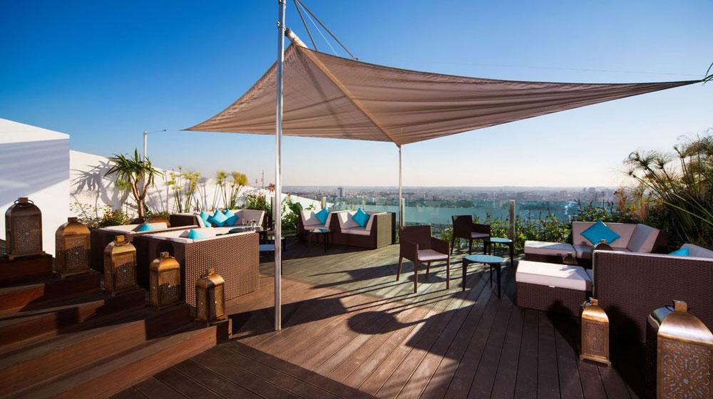 Un luxe raffin vous accueille au c ur de la ville de - Piscine sofitel marrakech ...