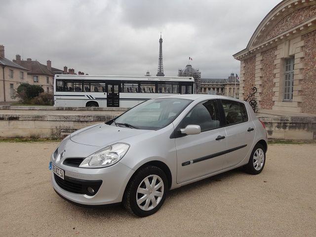 Renault-Clio-Gris_clair-Berline-26889
