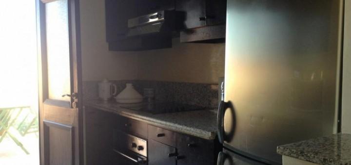 cuisine-Tres-joli-appartement-en-plein-coeur-de-gueliz-a-marrakech-A2025MG-1M-720x340