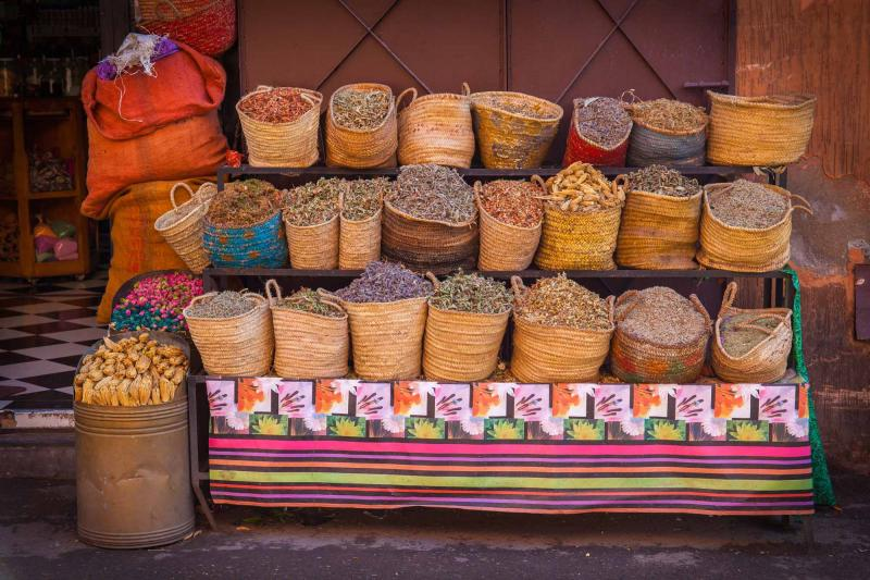 morocco_marrakech_dried_herbs_for_sale_0