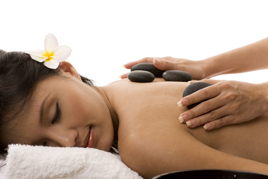 katrinas-remedial-and-relaxation-massage-therapy-south-yarra-massage-indulge-yourself-with-hot-stone-massage-2727-938x704